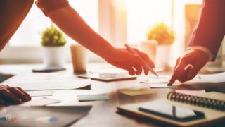 Bán hàng và giao dịch trong khởi nghiệp