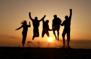 Bí quyết giao tiếp để mở rộng mối quan hệ và giữ gìn tình bạn