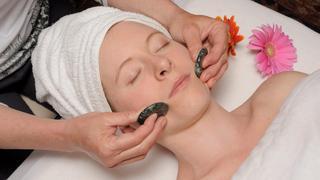 Sự kỳ diệu của việc chườm đá, massage đá trong trị bệnh, làm đẹp và thư giãn mỗi ngày