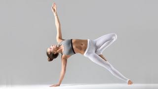 Tuyệt chiêu Yoga tăng tự tin để tỏa sáng trước đám đông
