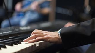 เเจ้สเปียโน